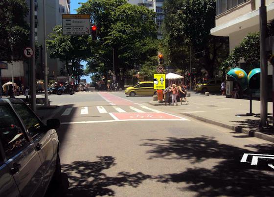 Simulação do BikeBox na Rua Hilário de Gouveia esquina com Nossa Senhora de Copacabana