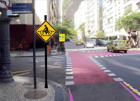Rua Toneleros com Rua Anita Garibaldi