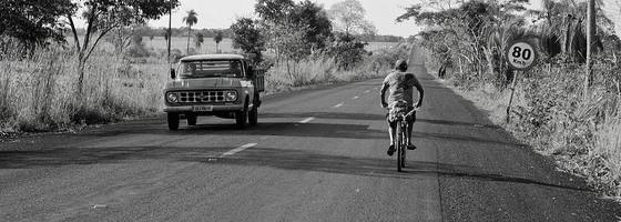 Bicicleta na estrada - Foto: Projeto Transite