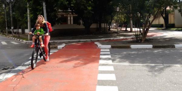 O futuro da mobilidade já está aparecendo - foto via Mapillary