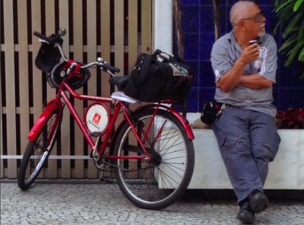 trabalhador-bicicleta